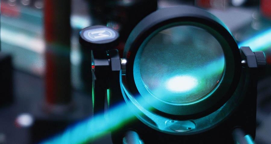 激光摄像的光波传输中需考虑的因素