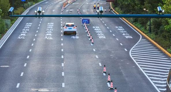 深圳新增130套监控抓交通违章 不礼让行人将被高清抓拍