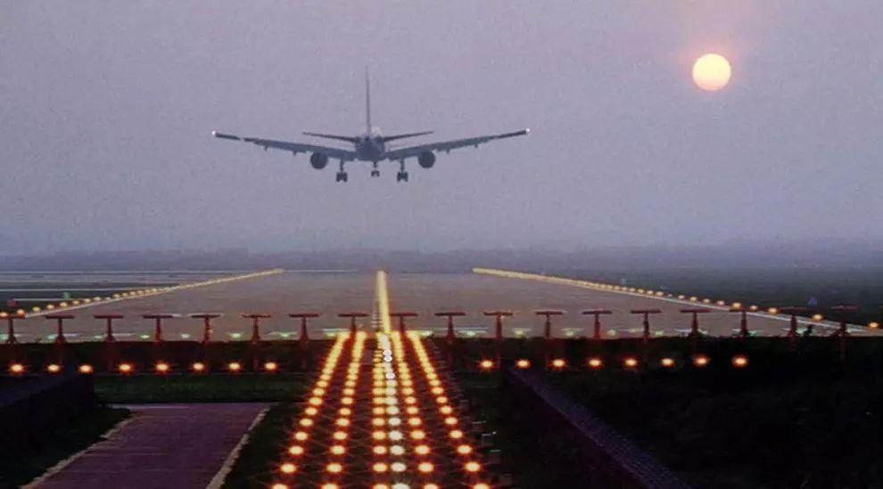 机场监控系统实现无死角监测 跑道异物安全排查