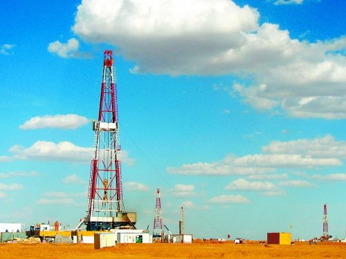 内蒙古华北油田全天候监控项目案例