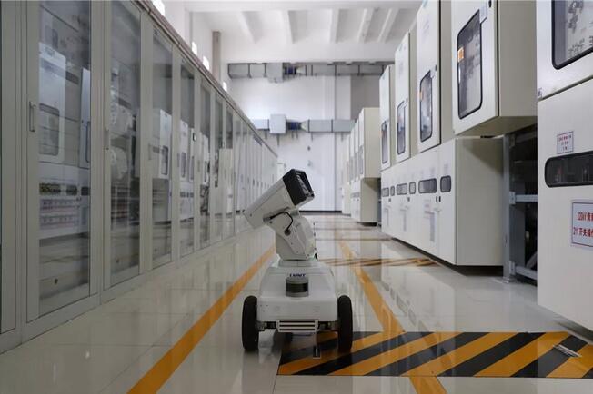 比人工巡视更快更准的智能机器人巡检员上岗了!变电站运维智能化时代已来