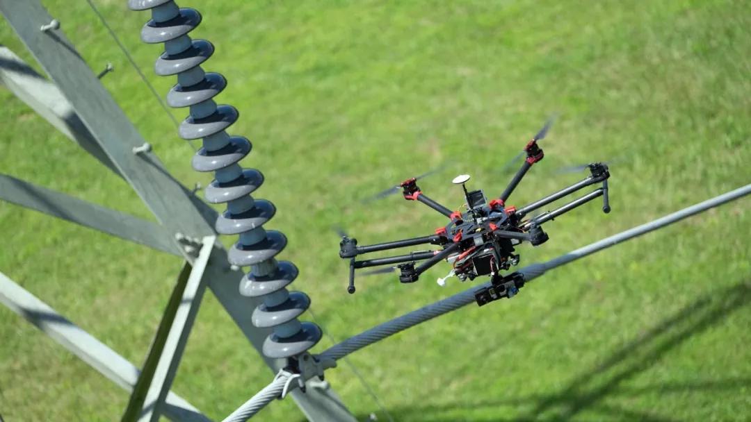 """用无人机开展电力巡线是有着怎样的""""爽点""""?"""