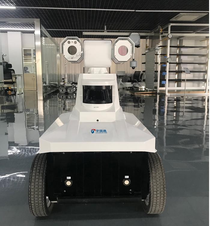 变电站智能巡检机器人新生代成长